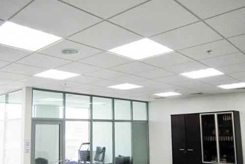 офисный потолочный светильник led квадратные 600 595 армстронг