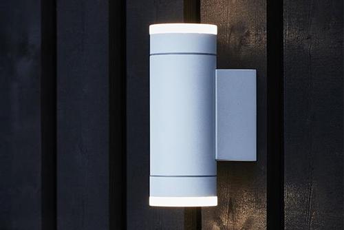 Светодиодная подсветка фасада LED светильником двусторонним