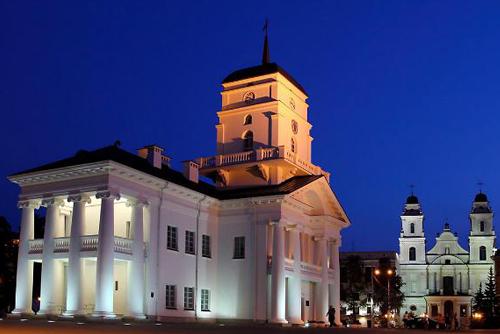 LED подсветка фасада и памятников диодными лампами