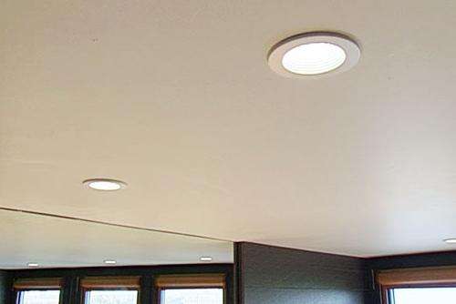 Встраиваемые LED светильники в натяжной потолок