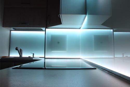 светодиодная лента для рабочей кухонной поверхности