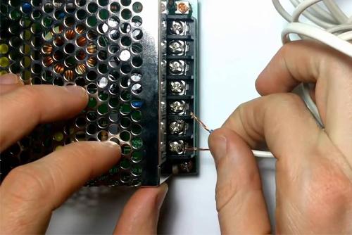 блок питания для светодиодных лент 12v