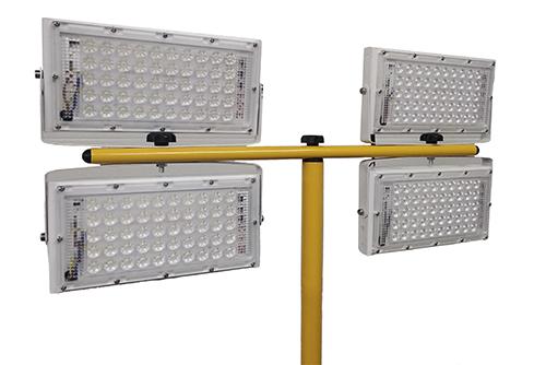 светодиодный прожектор четыре прожектора led на штативе триподе
