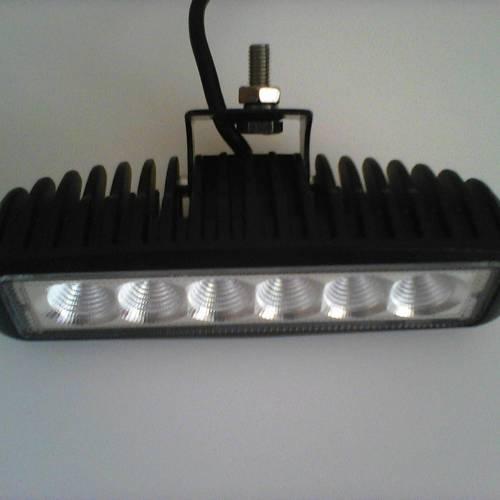 Автомобильный светодиодный прожектор 18-STP 18W
